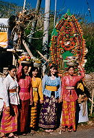 Nola with young Balinese women at Temple Ceremony, Ulu Watu Temple